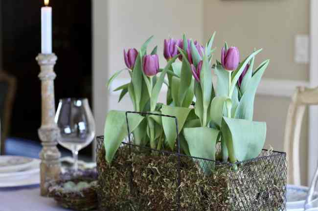 purple-tulips-easter-table