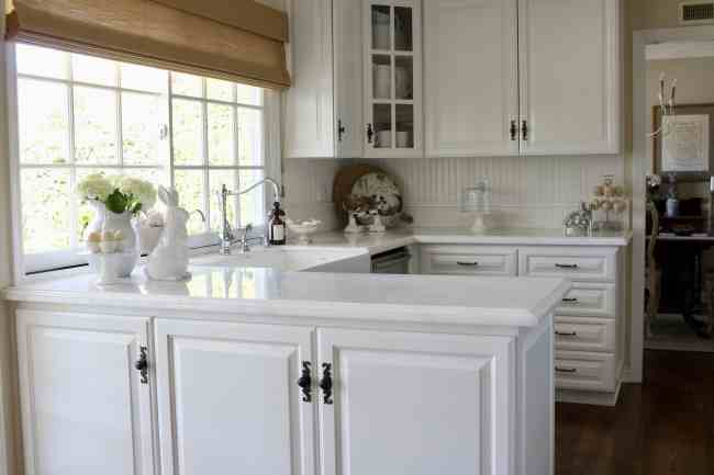 white-kitchen-easter-decor