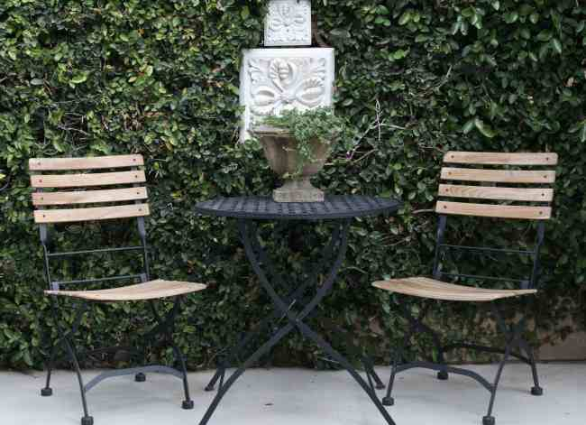 outdoor-space-bistro-table