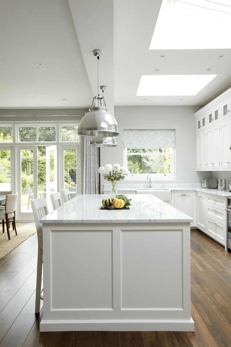 Friday Favorites - Grey & White Kitchens