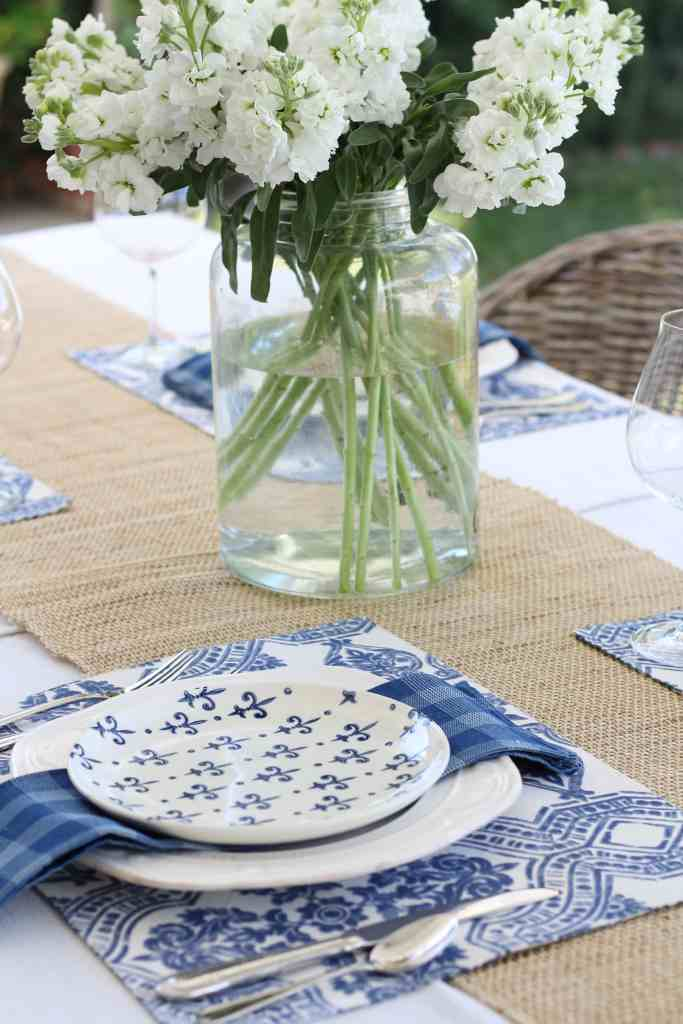 simple-summer-blue-and-white-tablescape-6