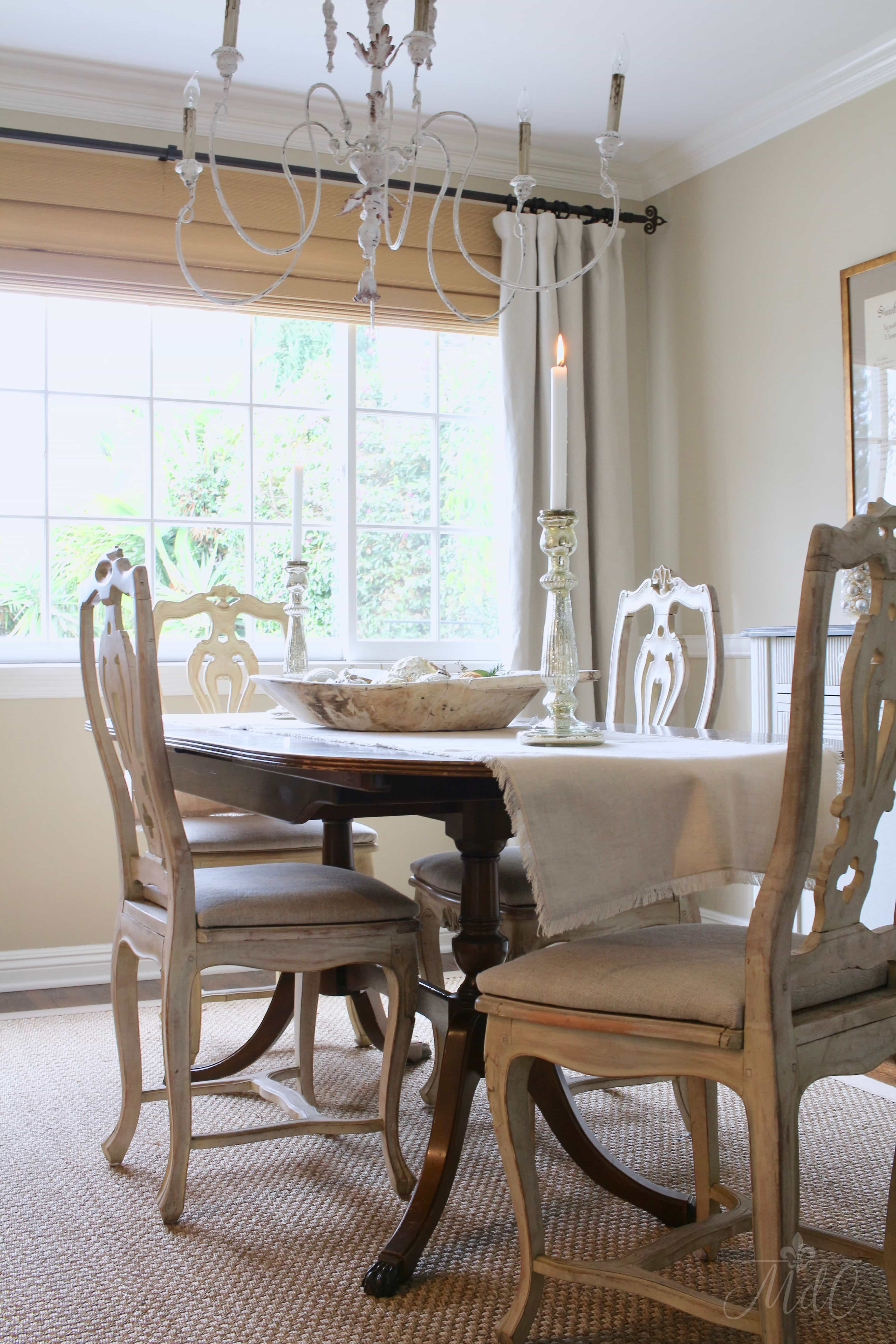 Inspirational french christmas decor dining table neutral dining room gorgeous chandelier