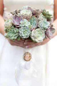 Bouquet de succulents Source Style mePretty