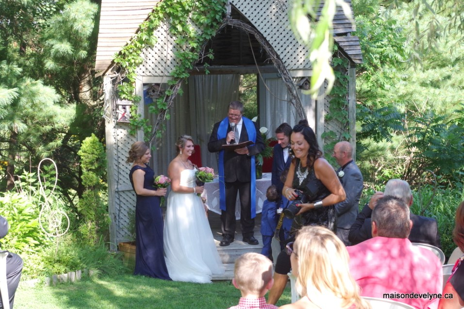 Cérémonie de mariage de Mylène et Éric. Célébrant de mariage Sylvain Marcoux