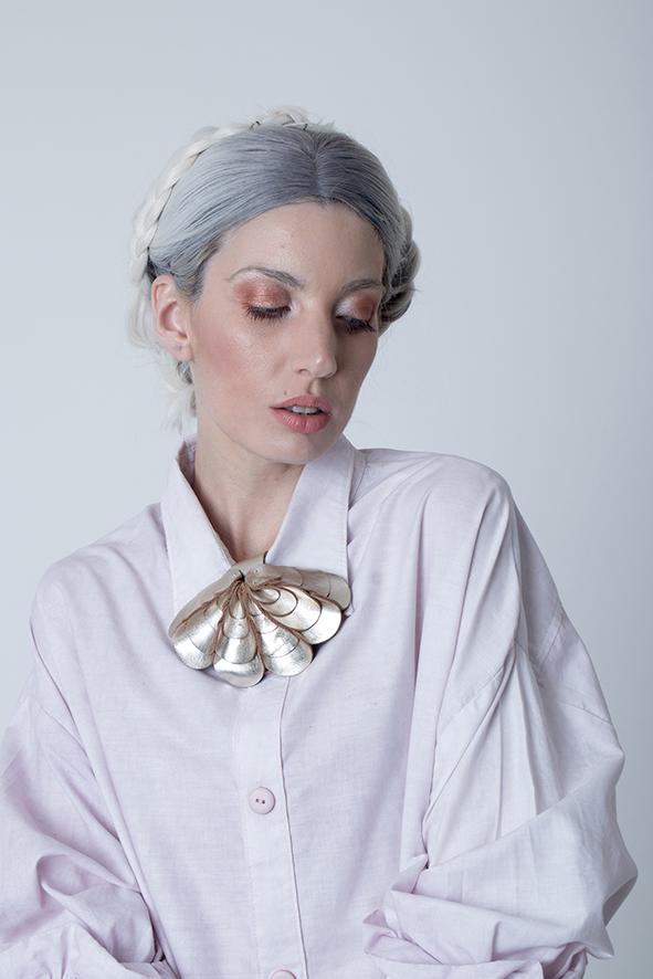 aros cuero, joyería contemporánea, uso urbano, mujer, collar mujer, diseño argentino
