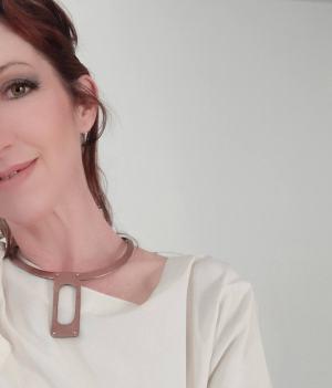 collar thea