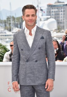 Chris-Pine-Cannes-Film-Festival-2016-Pictures (1)