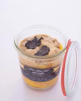 Un foie gras entier juste assaisonné avec 10% de truffes. Un régal pour les amateurs de truffes.
