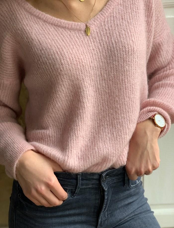 pull-maille-v dos-doux-reversible-mohair-laine-noir-blanc-rouge-rose-rouge-maison-prune