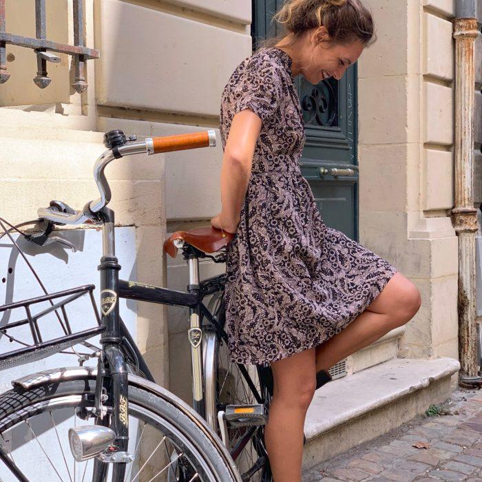 robe à motifs, robe détail doré, robe féminine, robe imprimé, robe noire et beige, shoponline