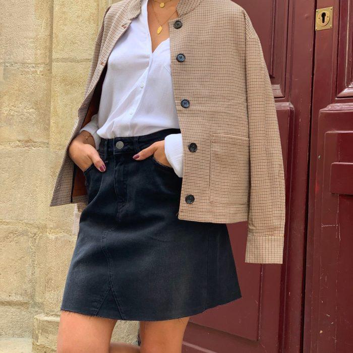 jupe en jean, jupe en jean noir, jupe courte, basique de la garde robe