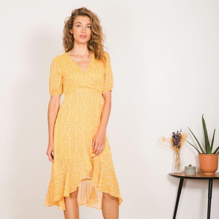 garance paris, garance, prêt à porter femme, robe, robe jaune, imprimé fleuri, imprimé jaune, robe fluide, robe d'été, col V, robe decolleté plongeant,maison prune, maison prune nantes, maison prune bordeaux