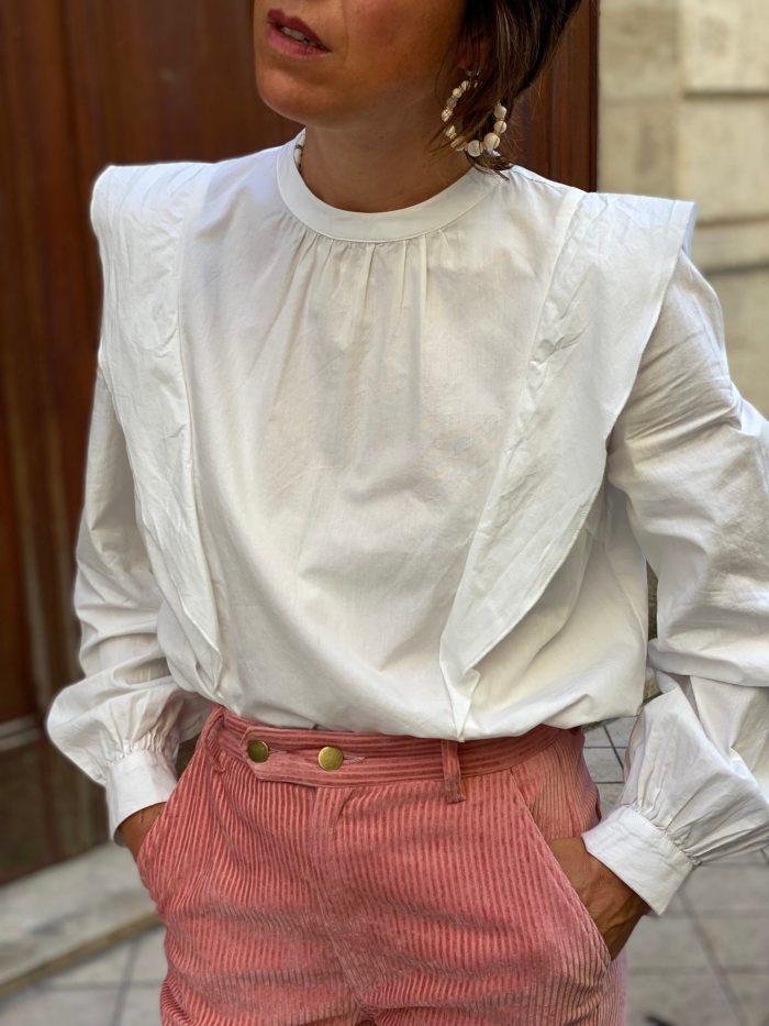 blouse blanche, blouse à volants, blouse vila, maison prune