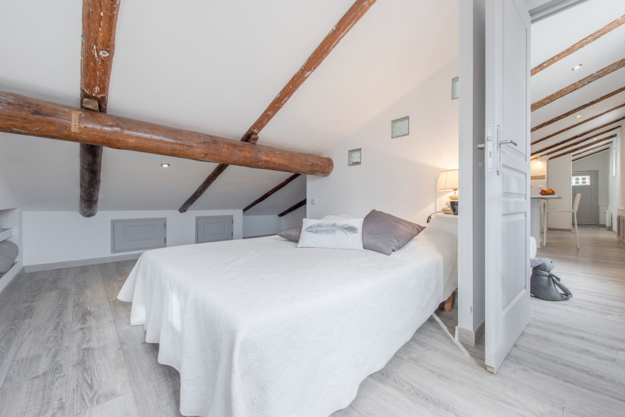 Aix en provence; holiday rental; guest house; guest house with swimming pool