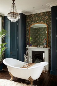 15 Luxury Bathrooms with Fireplaces