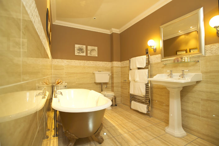 GOLD FOR YOUR BATHROOMS  Maison Valentina Blog
