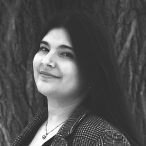 Devoir Copy Co - Emilia Vieni Portrait