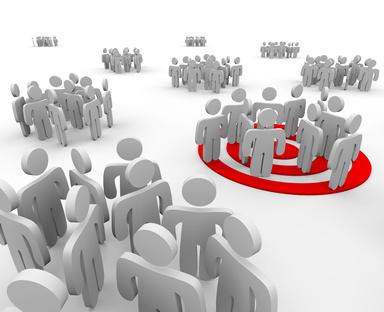 Disséminer les mécanismes de prise de décision au travers d'une organisation fractale d'équipes auto organisées