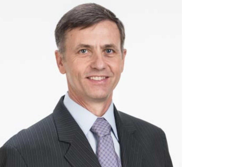 Ex-prefeito Professor Luizão Goularte lança livro sobre gestão pública