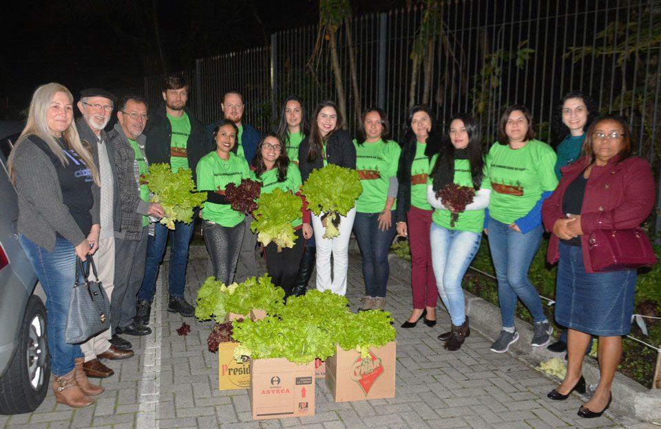 Faculdade de Pinhais desenvolve projeto de Horta Comunitária em parceria com a Prefeitura