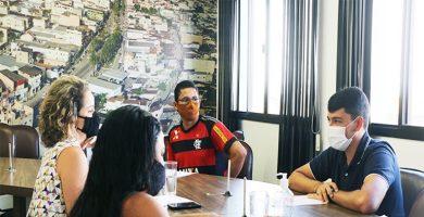Bruno Barbosa se reúne com pais de crianças com deficiência