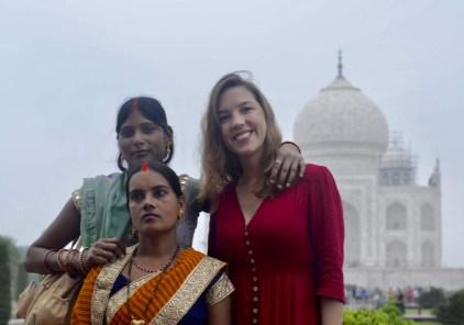 Mulheres indianas, vestimentas indianas, sáris