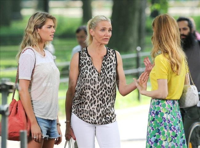 Actress Cameron Diaz, wearing a leopard top and white jeans with sandals, Leslie Mann and Kate Upton film 'The Other Woman' in Central Park in New York City. Pictured: Kate Upton, Cameron Diaz and Leslie Mann Ref: SPL569957 270613 Picture by: Christopher Peterson/Splash News Splash News and Pictures Los Angeles: 310-821-2666 New York: 212-619-2666 London: 870-934-2666 photodesk@splashnews.com