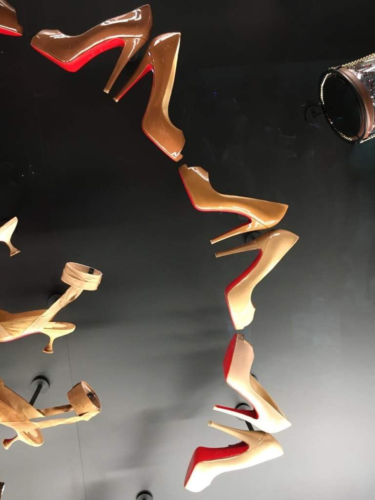 collection nudes Louboutin expo