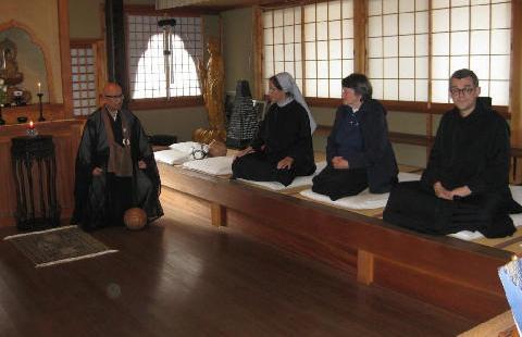 Dossier: Buddhismo e cristianesimo: un ponte tra le religioni