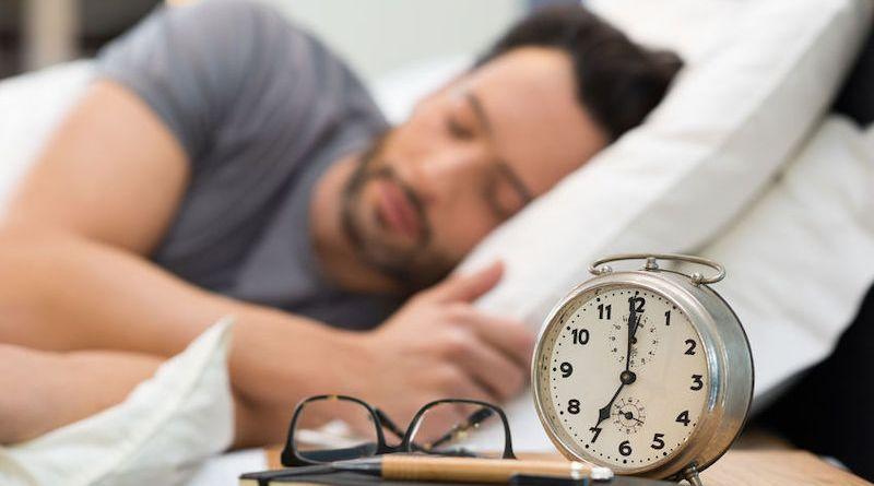 Comment se coucher tôt: fonctionnement du sommeil et solutions