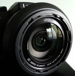Objectif zoom Leica Lumix FZ1000 gros-plan