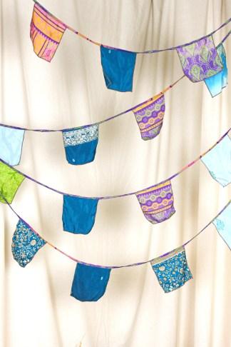 Sari flags