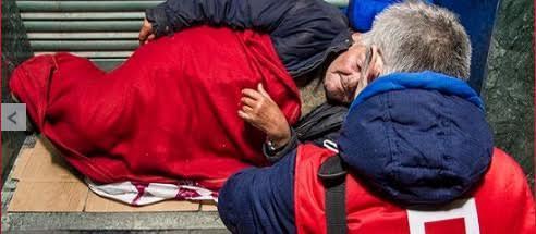 Sopas, caldos, infusiones, abrigo y zapatos: consejos de Cruz Roja Majadahonda contra el frío