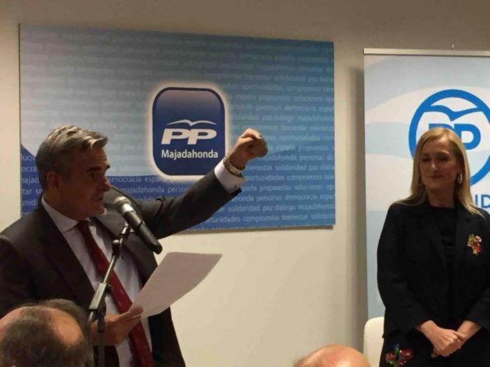 """Cristina Cifuentes inaugura la nueva sede del PP en Majadahonda: """"otros partidos las cierran"""""""