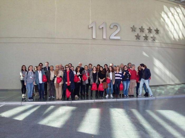Los voluntarios de Cruz Roja Majadahonda aprenden el funcionamiento del 112 de Madrid