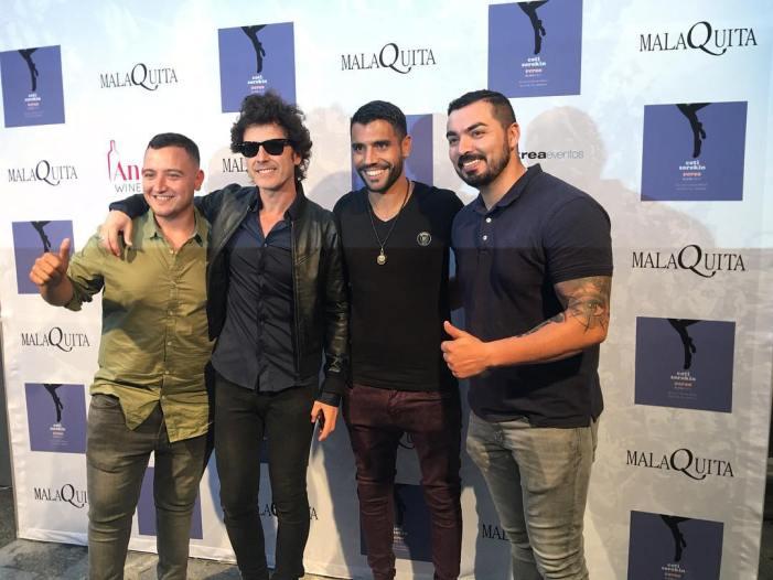 """El cantante Coti """"compone"""" su vino argentino en el restaurante Malaquita (Majadahonda) junto a Augusto (At. Madrid)"""