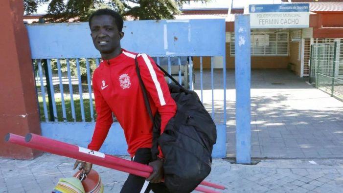"""Baba Sule, otro futbolista africano que se convierte en """"juguete roto"""" tras pasar por el Rayo Majadahonda"""