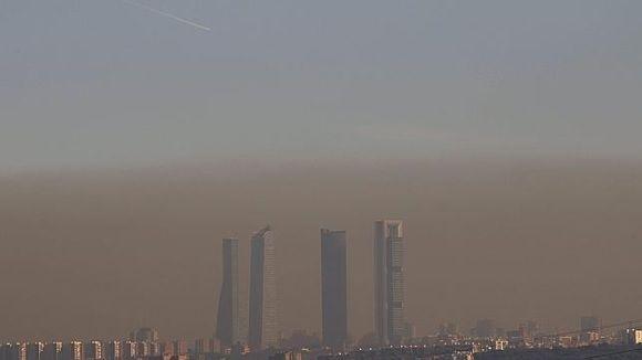 """La revista """"Motor"""" anima a ver la """"boina"""" o """"smog"""" de contaminación en Madrid desde Majadahonda"""