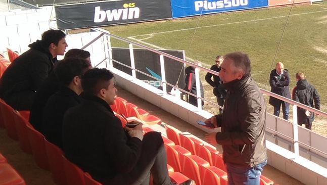 El seleccionador Sampaoli y el futbolista Giovanni Simeone visitan Majadahonda