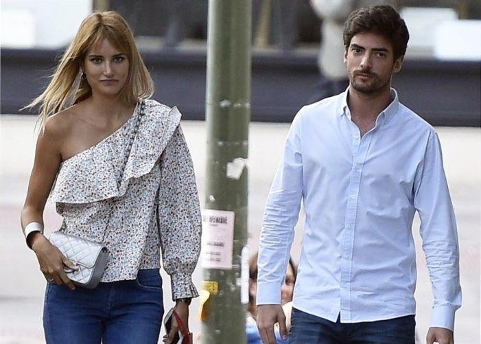 La modelo Alba Carrillo acude a Puerta de Hierro a recoger a su novio tras un accidente en la M-50