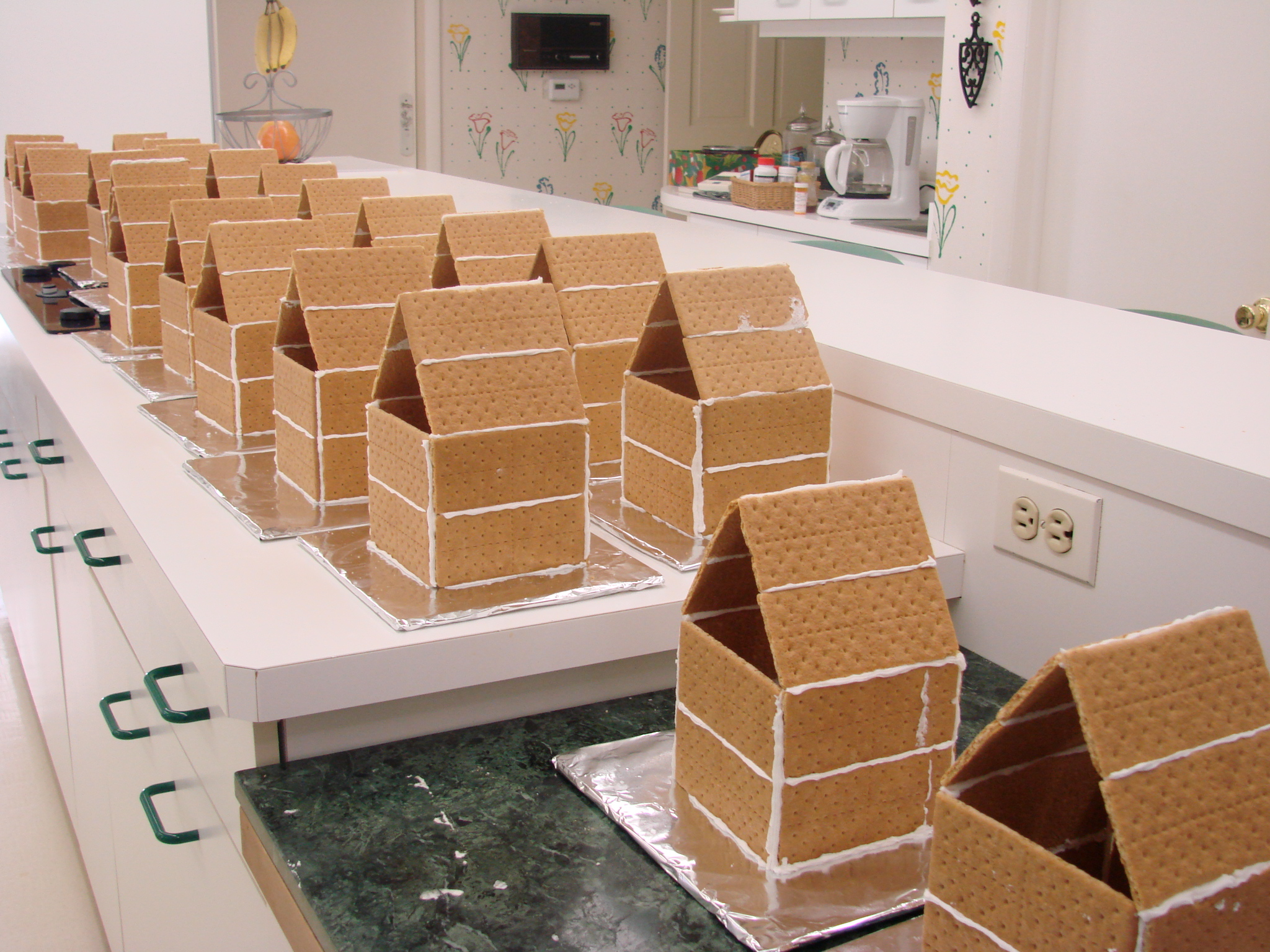 Graham Cracker Houses And Cookies! Maja's Viennese Kitchen