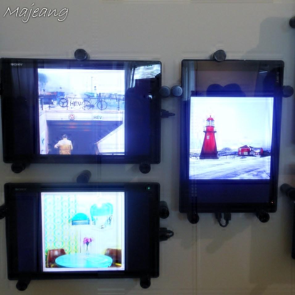 Tablet display