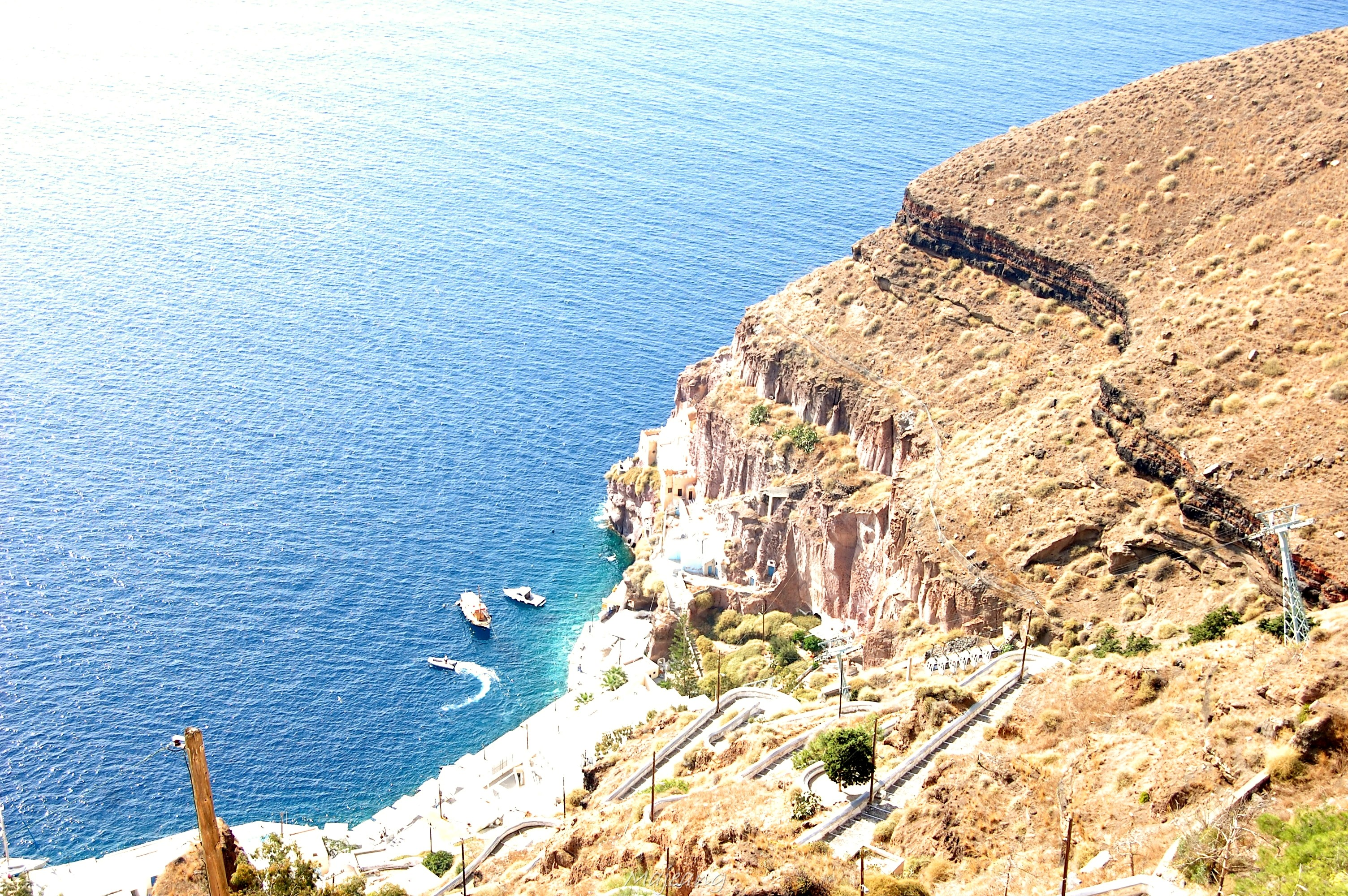 Visiting Santorini on the blog, work in progress www.majeang.comFira