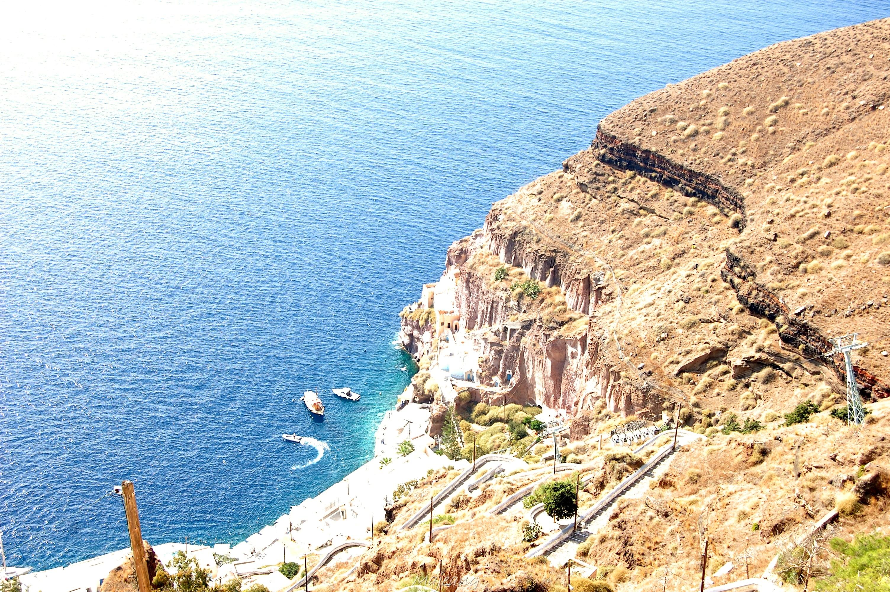 Visiting Santorini on the blog, work in progress www.majeang.comFira