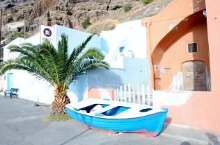 Visiting Santorini on the blog, work in progress www.majeang.comOld Port in Fira