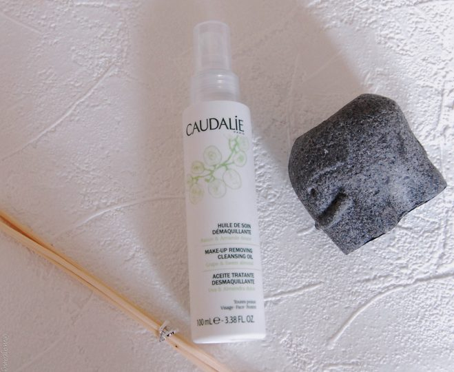 Caudalie Cleansing oil on www.majeang.com