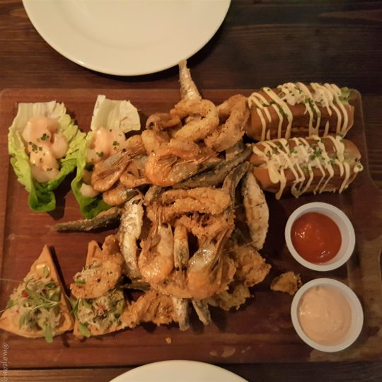 crab tavern sharing platter