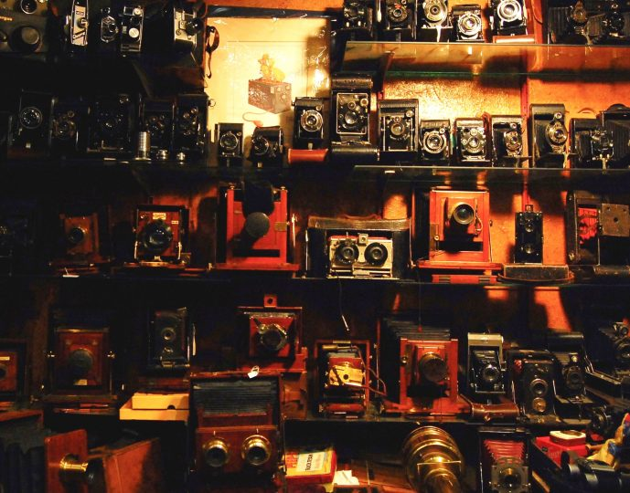 things you don't need whilst travelling- cameras