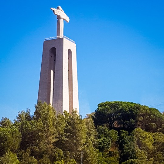 What to do in Lisbon - Christ the King statue,