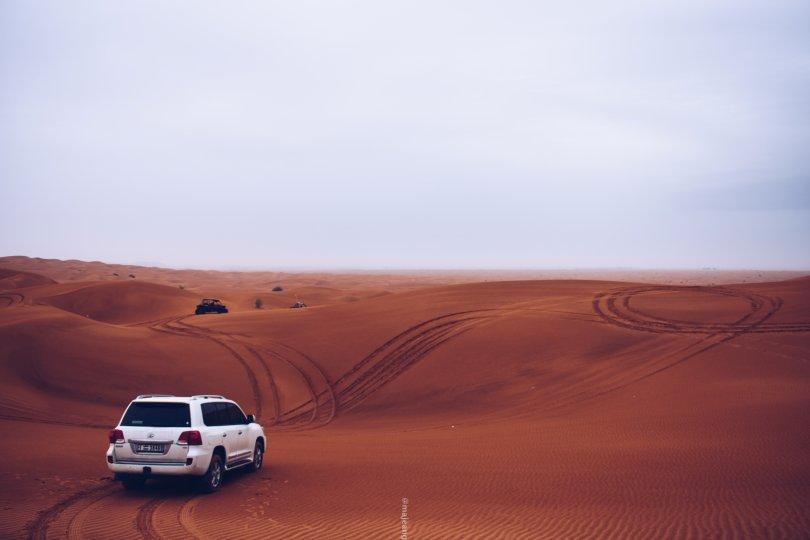 5 places worth seeing in Dubai - dunes